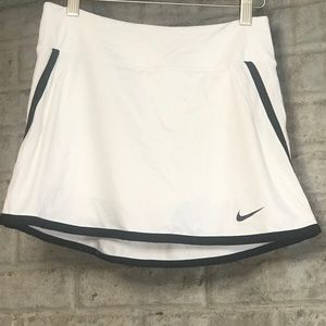 Nike Womens Skort - dry fit - Size S